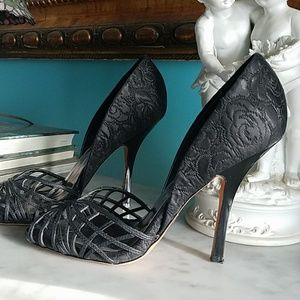 High- heels pumps